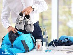 per Mega 50 este un produs cu o concentraţie ridicată de multivitamine cu eliberare prelungită, cărora li se adaugă minerale, oligoelemente, antioxidanţi şi un plus de bioflavonoide, fiind conceput special pentru persoanele cu un stil de viaţă foarte intens. Gym Bag, Bags, Fashion, Handbags, Moda, Fashion Styles, Fashion Illustrations, Bag, Totes