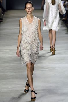 Chloé Spring 2006 Ready-to-Wear - Collection - Gallery - Style.com