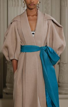 Valentino Haute Couture Spring 2018 @samsonchoi Abaya Fashion, Muslim Fashion, Modest Fashion, Fashion Dresses, Modest Dresses, Modest Outfits, Latest Fashion For Women, Trendy Fashion, Mode Hijab
