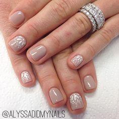 Simple Henna Inspired Nails #simple #henna #hennainspired #nude #nudenails #linework #hennanails #gel #gelmanicure #manicure #freehand #awesomenailart #nailart #nailsdid #bocanailart #alyssadidmynails #goodjob #coolnails #nails #naturalnails #perfect #perfection #jealous #party #partynail #partynails
