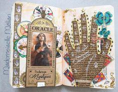 Wreck this journal - Saccage ce carnet - Pages 126-127 : trace your hand - fortune teller theme - divination, chiromancie, cartomancie, bonne aventure - palmistry