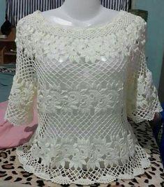 Fabulous Crochet a Little Black Crochet Dress Ideas. Georgeous Crochet a Little Black Crochet Dress Ideas. Black Crochet Dress, Crochet Blouse, Crochet Poncho, Diy Crochet, Crochet Stitches, Crochet Top, Crochet Designs, Crochet Patterns, Crochet Woman