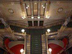 :-) inside the Vienna State Opera / Feststiege in der Staatsoper Wien :-)