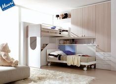 camerette con letti a soppalco - il letto superiore scorre e rende accessibile la scala.