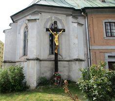 Kříž s Ježíšem u kostela sv. Máří Magdaleny v České Lípě - Česko