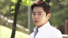 Mostly pinning for the dramatic difference a haircut can make. Much more handsome, Jun-ho (Jo Jung-suk). <3 And everyone notices. I was wondering why he wasn't as cute as in King 2 Hearts. It was the hair. Back to awesome. // You're the Best, Lee Soon-shin: Episodes 23-24 » Dramabeans » Deconstructing korean dramas and kpop culture