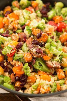vegetarian quinoa skillet ohsweetbasil.com
