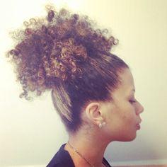 #NaturalHairDaily OfficiallyNatural #NaturalHair #AfroPuff