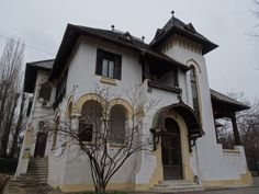 Discover the world through photos. Romania Travel, Bucharest, Cabin Homes, Building Plans, House Plans, House Design, Mansions, Country, House Styles