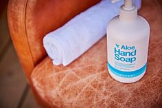 Szappan természetes forrásból Aloe Hand Soap folyékony szappan. Uborka, citromhéj olaj, olívaolaj. Legendás előd szerintünk méltó utódja. #gabokakucko
