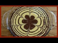 """This fun and festive recipe combines chocolate and vanilla batter in the pan to create """"zebra"""" stripes satisfying everyone, especially those who love a touch. Sweets Recipes, No Bake Desserts, Baking Recipes, Healthy Cheesecake, Gluten Free Cheesecake, Chocolate And Vanilla Cake, How To Make Chocolate, Cupcakes, Cake Cookies"""