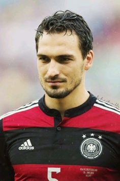 Favorite pictures of Mats Hummels - (x) Soccer Guys, Football Soccer, Germany Football Team, German National Team, Mats Hummels, Rugby Players, Football Players, Mr Perfect, Perfect Boyfriend