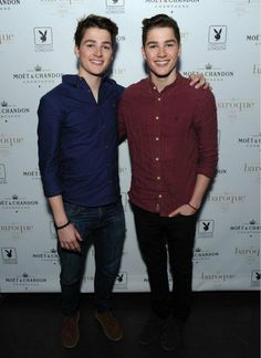 I have UNDYING LOVE for the HARRIES TWINS!!!!! Original caption: #JacksGap & #FinnHarries they have to be the hottest twins!