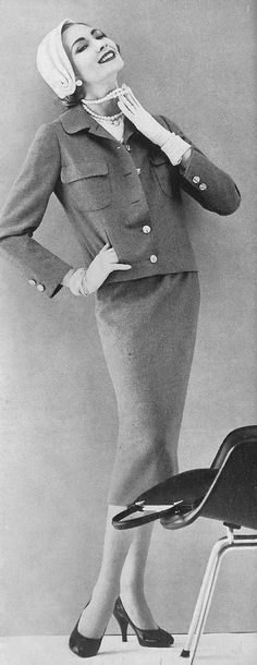 1957. I love this little basic suit! It's so perfect for so many things.