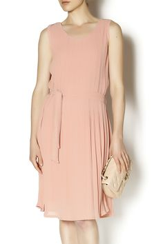 Classic style of feminine pink dress with pleated fabric and a tied waist. Wear this girly dress to your next dinner party with kitten heels.   Pink Dress by Saopaulo. Clothing - Dresses - Knee Clothing - Dresses - Casual San Francisco