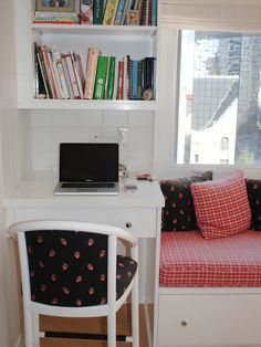 Window seat/desk for kitchen built-in.  Kitchen Built-in Bookcases Design, Pictures, Remodel, Decor and Ideas - page 3