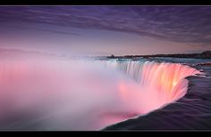 Niagra Falls by Oli Haukur, via Flickr