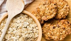 Quick and Easy Shortcut Oatmeal-Raisin Cookies Chocolate Oatmeal Cookies, Oat Cookies, Oatmeal Raisin Cookies, Healthy Cookies, Healthy Snacks, Muesli Bio, Oat Cookie Recipe, Clean Eating Cookies, Healthy Recipes