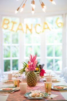 Tropical party: Photography : Anna Maria Zunino Noellert Read More on SMP: http://www.stylemepretty.com/living/2017/03/06/ladies-who-luau-birthday-celebration/