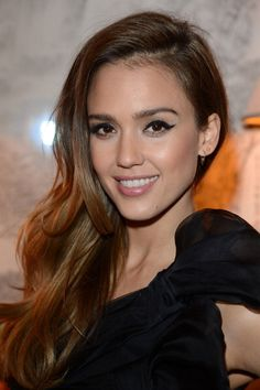 Jessica Alba - how come I can never get my eye liner to look like that?