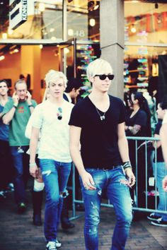 R5 including daddy! I love how the whole family is always involved. Thats why we're the R5family, right?!