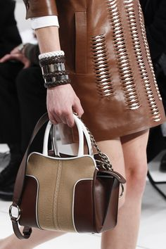 See detail photos for Tod's Fall 2017 Ready-to-Wear collection.