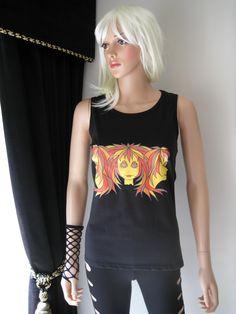 """""""Tripletts"""", en annan unik Alice Brands design på kvinnors toppar och t-shirts. Vi har ett brett utbud av färgbilder på olika toppar gjorda av kvalitet mjuka och sköna material. Se dem alla på någon av dessa två platser: www.etsy.com/shop/AliceBrands. www.alicebrands.co.uk. #alicebrands."""