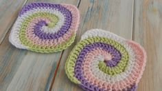 Learn how to crochet spiral granny square with this video. All the process is well described and understandable. This spiral granny square uses four colors. If you join them together you will end up with a lovely blanket.