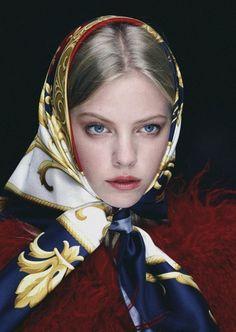 dolce-and-gabbana-head-scarf