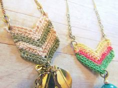Crochet chevron necklaces pattern | http://mytwobutterflies.blogspot.com.au/2012/03/crochet-chevron-necklace-pattern.html