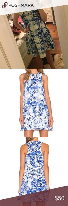 🆕REVOLVE blue & white abstract swing dress w/tag! This is the perfect dress for summer or any end of year dance!! Great for all ages revolve Dresses