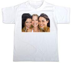 Paita omasta kuvasta. Mikä vaan kiva valokuva, vaikka mummille lahjaksi tämmöinen paita :)