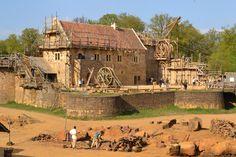 Le château de Guédelon, tout un monde - Documentaire 2015