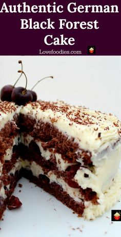 Authentic German Black Forest Cake, Schwarzwalder Kirschtorte, a delicious cake famous in Germany. Layers of chocolate cake, black cherries and kirsch - Schwarzwalder Kirschtorte Hot Fudge Cake, Hot Chocolate Fudge, Chocolate Recipes, Slow Cooker Desserts, Tolle Desserts, Köstliche Desserts, Plated Desserts, Fudge Recipes, Cake Recipes
