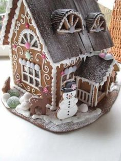 52 Unique DIY Gingerbread House Ideas in Your Decor Gingerbread House Parties, Christmas Gingerbread House, Christmas Sweets, Christmas Goodies, Christmas Baking, Christmas Crafts, Xmas, Gingerbread Dough, Gingerbread Village