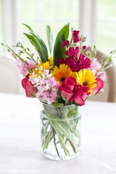 designthusiasm.com wp-content uploads 2017 05 Arranging-spring-flowers-into-small-displays-01-768x1152.jpg