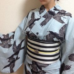 八咫烏。カラス柄って…と思ってたのにいろんな方が着てるの見たらとてもかっこ良くて…欲しくなってしまったのでした #浴衣#yukata#岡重#八咫烏#着物