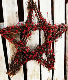 Items similar to of July Decor-Summer Home Decor-Holiday Decor-Red Berry Star-Wall Hanging-Summer Dec FIRE CRACKER RED-Scented Cinnamon-Star Grapevine Berry Wreath-Patriotic Summer Door Decor-Primitive Patriotic Decor via Etsy Natural Christmas, Noel Christmas, Country Christmas, All Things Christmas, Winter Christmas, Christmas Wreaths, Xmas, Simple Christmas, Homemade Christmas