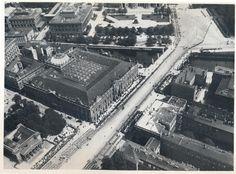 Berlin - von links: Neue Wache und Zeughaus aus der Luft (der Kaiser wird wohl erwartet)