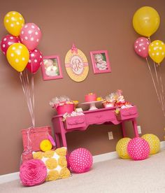pink & yellow themed first birthday :] this is perfect !love! @Ashley Martinez you could almost use your desk for this lol