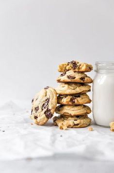 Best Quick vegan chocolate chip cookies katie shows and experts Gourmet Cookies, Baking Cookies, Healthy Cookies, Cake Cookies, Baking Recipes, Cookie Recipes, Peanut Recipes, Bar Recipes, Cream Recipes