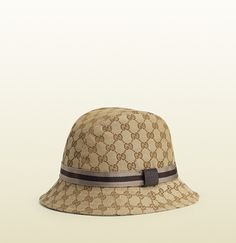 0c435a7e37e Gucci Official Site – Redefining modern luxury fashion.