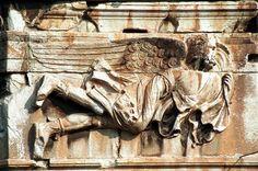 """Relieve de la torre de los vientos en Grecia, punto de partida del """"Palacio de los Vientos """""""