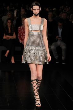 Alexander McQueen Spring 2015 Ready-to-Wear - Collection - Gallery - Style.com