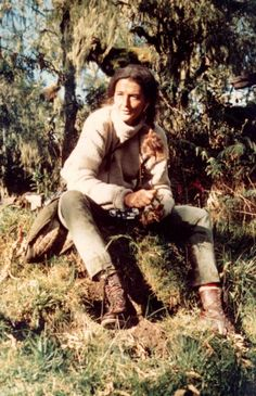 Karisoke director pays tribute to Dian Fossey, please read further and find out how you can help . Jane Goodall, Primates, Gorillas In The Mist, Dian Fossey, Mountain Gorilla, In Another Life, People Of Interest, Biologist, Real Hero