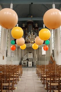#Balloon wedding #Balloon Aisle Markers