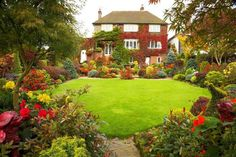 Beautiful house, but amazing Garden
