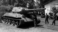 Panzerkampfwagen T-34 747 [r]. T 34/85 Russian captured in service in the German army. Eastern Front, unknown date and department