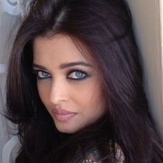 Mangalore, Most Beautiful Indian Actress, Most Beautiful Women, Beautiful Actresses, Actress Aishwarya Rai, Aishwarya Rai Bachchan, Beautiful Lips, Gorgeous Eyes, Belle Silhouette