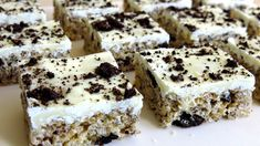 Welcome to the SimpleCookingChannel. Things might get pretty simple sometimes but sometimes that's just what a person needs. I hope you like my recipe for cookies and cream rice krispie treats. Oreo Rice Krispie Treats, Rice Krispy Treats Recipe, Köstliche Desserts, Delicious Desserts, Dessert Recipes, Creamed Rice, Reis Krispies, Cooking Cookies, Rice Recipes For Dinner